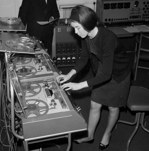derbyshire-1 The Godmother of Electronic Music : Delia Derbyshire - No Dough Music - House Music Blog