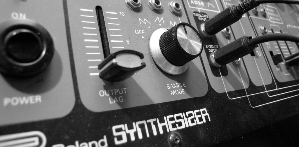 roland_system-1001-e1372102240858-1024x504 What is Analogue? - No Dough Music - House Music Blog